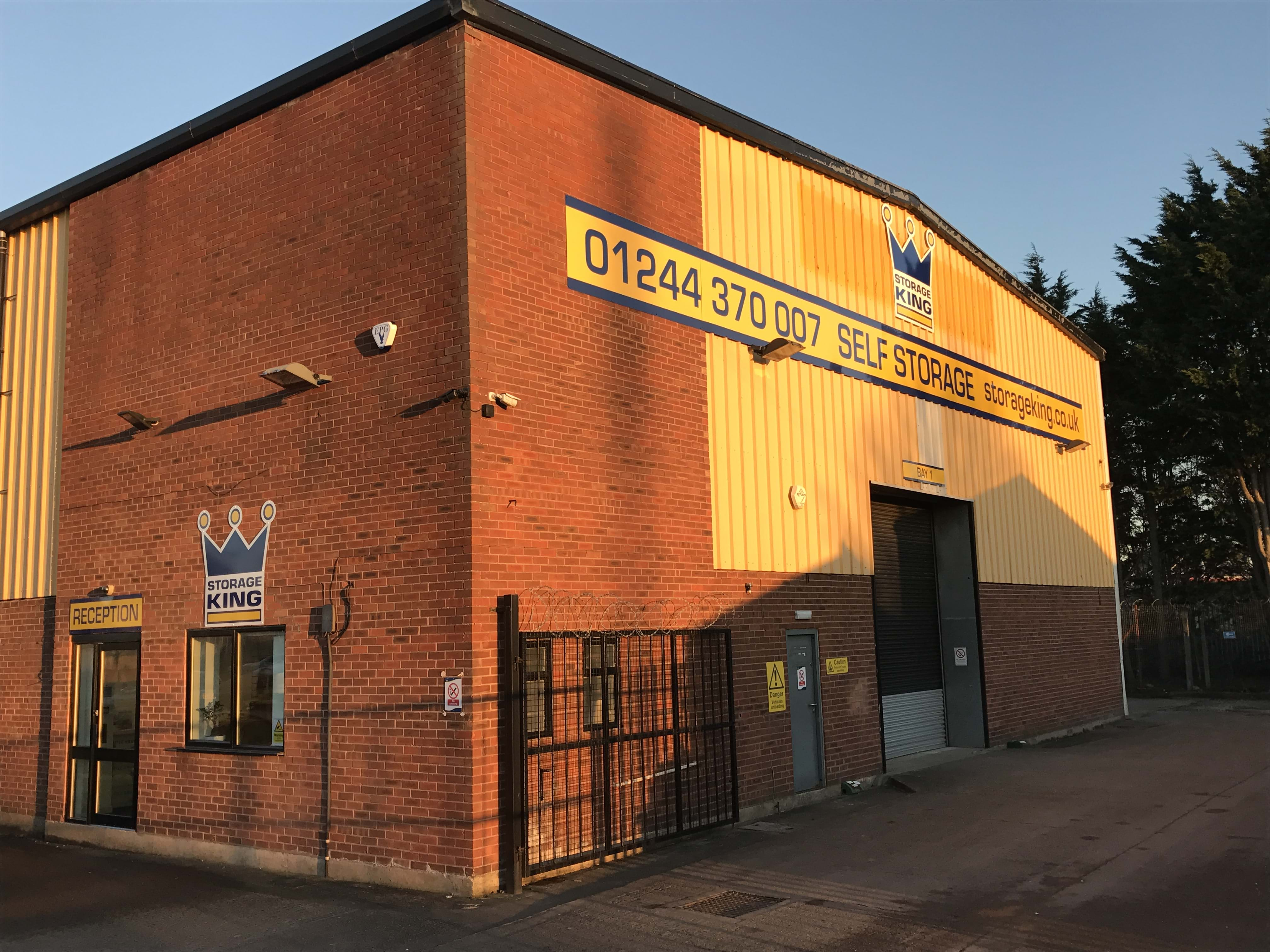 Self Storage Units Facilities Solutions Chester Uk Storage King